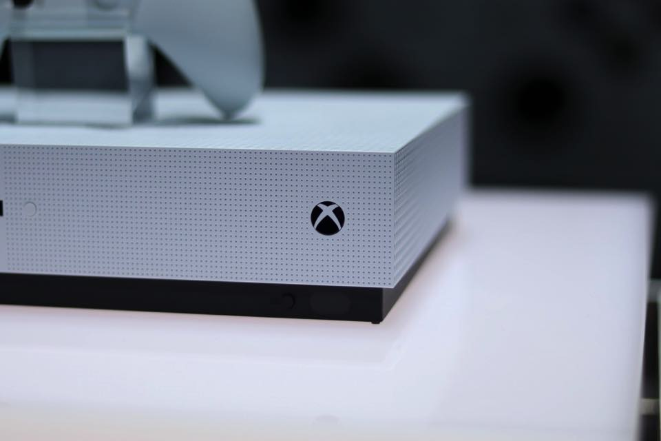 Продажи Xbox One и Xbox One S взлетели до небес