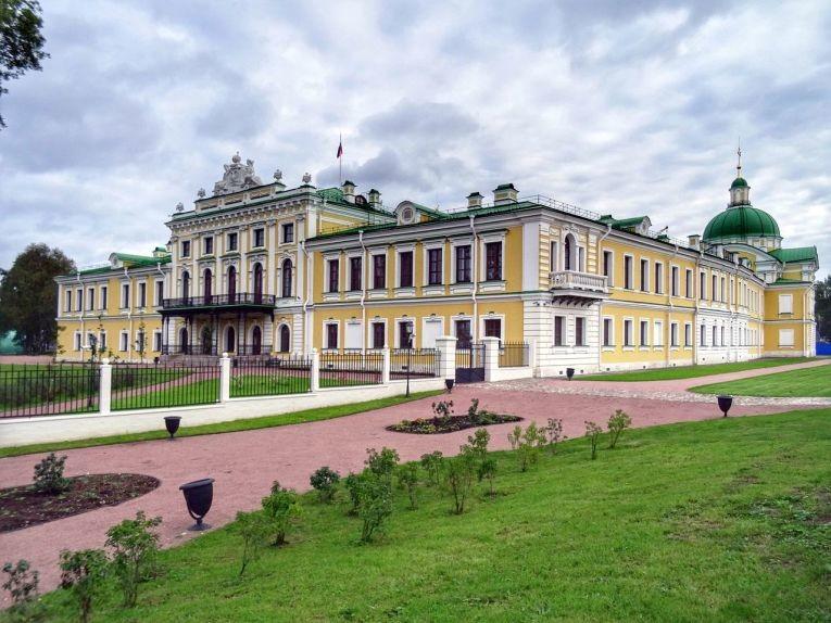 Путевой дворец: главная достопримечательность Твери
