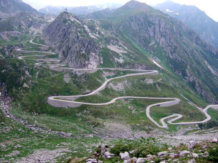 Перевал Большой Сен-Бернар в Швейцарии