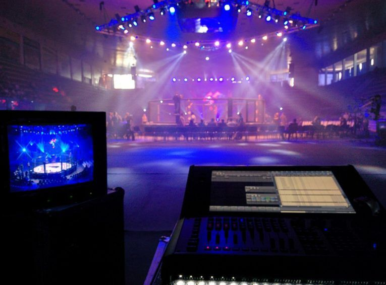 Как взять в аренду звуковое и световое оборудование для мероприятий