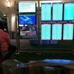 Дайте закончить катку — фанат PS4 попал в неприятную ситуацию, решив сыграть в Apex Legends в аэропорту
