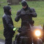 Первый взгляд на полный костюм Бэтмена Роберта Паттинсона
