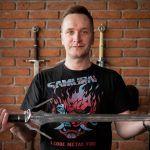 Глава CD Projekt RED выставил на аукцион ведьмачий меч