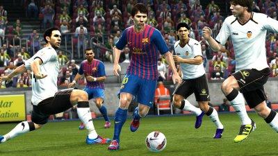 Дебютные игровые изображения Pro Evolution Soccer 2013 (Обновлено: Видео)